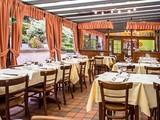 Chez Leon Mons