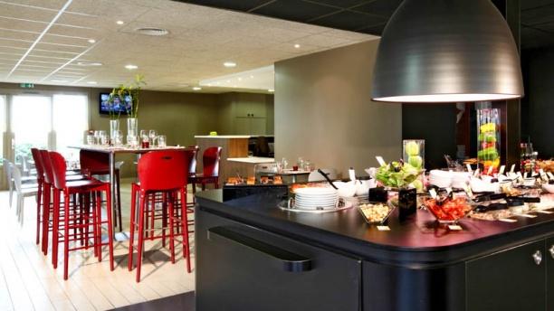 Campanile m con nord sennece in m con menu openingsuren adres foto s van restaurant - Fotos van salle d eau ...
