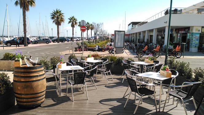 Esplanada - Wine Pier - Wine Bar & Tapas, Cascais