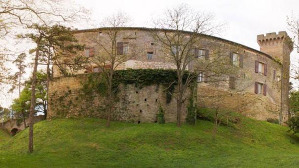 Hostellerie du Château de la Pomarède Façade du Château