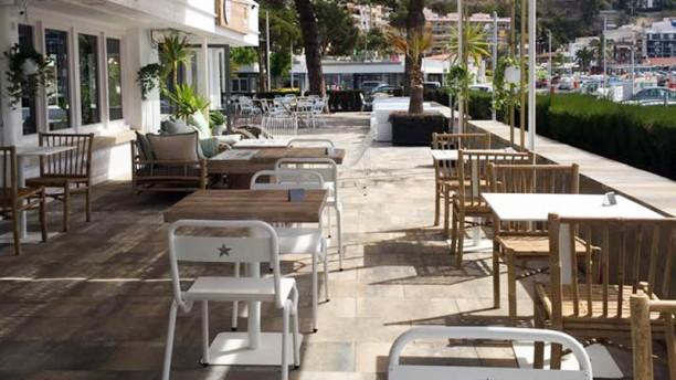 Restaurant & Lounge Club Vela Blanes Terraza