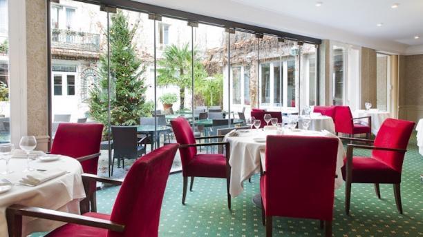 restaurant la table des mar chaux h tel napol on. Black Bedroom Furniture Sets. Home Design Ideas
