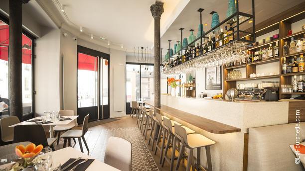restaurant le bistro 21 paris 75017 ternes porte maillot batignolles place de clichy. Black Bedroom Furniture Sets. Home Design Ideas