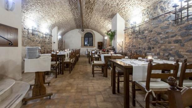La Taverna Relais Castrum Boccea Vista della sala