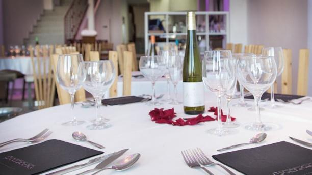 Restaurante Gabbeach detalle mesa montada