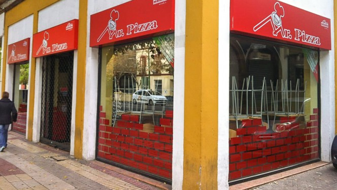 Fachada - Mr. Pizza, Sevilla