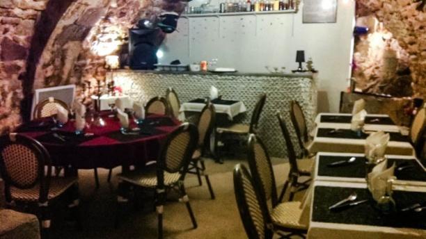 La Table d'Enzo Ambiance feutré salle du bas