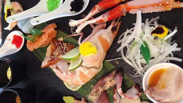 Comoyan sashimi