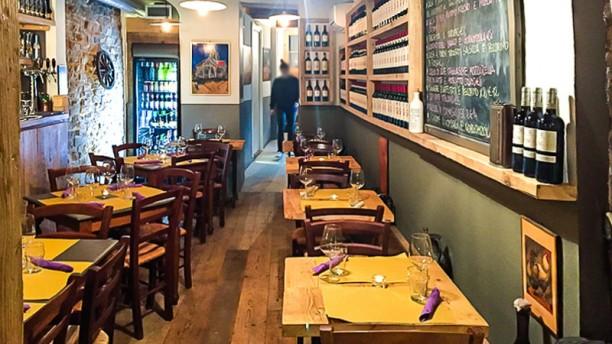 https://u.tfstatic.com/restaurant_photos/390/78390/169/612/bistrot-3-tavoli-la-sala-1603e.jpg