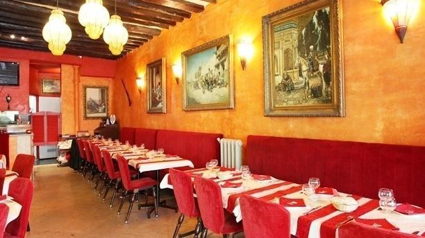 Le Khalife Vue de la salle du restaurant