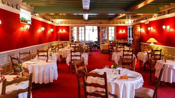 Hôtel-restaurant Eychenne Salle restaurant intérieur
