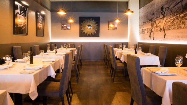Restaurante la gradona puerto madero en madrid san blas for Restaurante puerto rico madrid