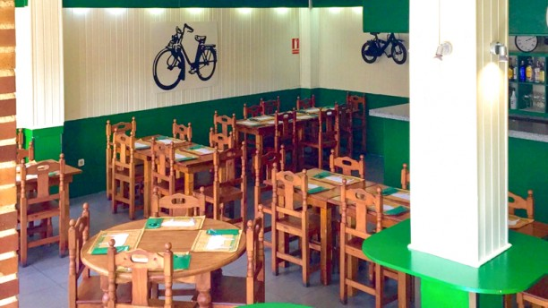 Restaurant la bicicleta steakhouse collado villalba for Sala 8 collado villalba