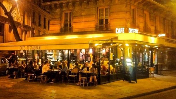 Café Cassette Devanture, de nuit