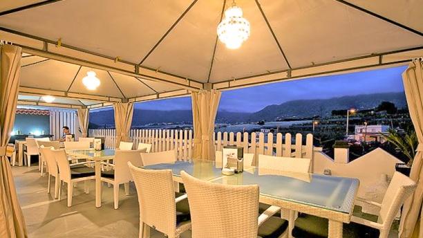 Arepera El Rinconcito terraza chillout