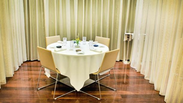 RiFF by Bernd H. Knöller Una mesa del RiFF