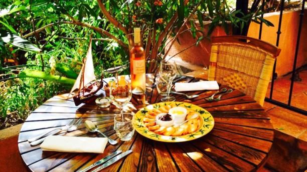 La table du port restaurant 41 avenue du g n ral de gaulle 83320 carqueiranne adresse horaire - Coiffeur du port carqueiranne ...