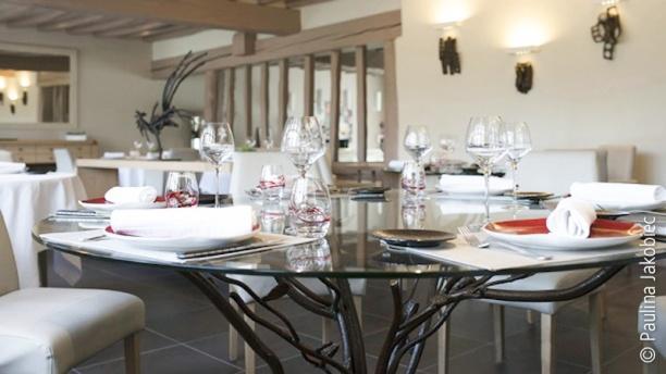 Le Bec Au Cauchois Restaurant Pierre Caillet Table Lartisien