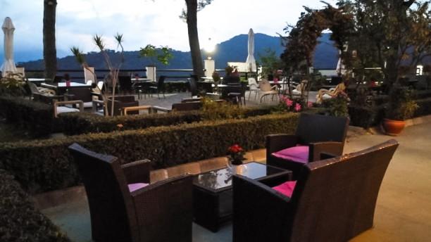 Kabilas Restaurant Terraza