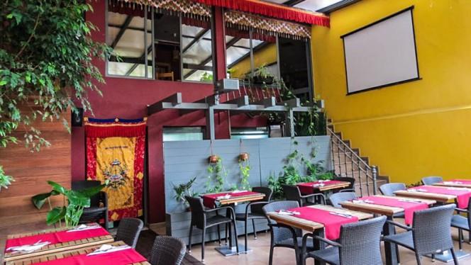 Pátio interior - Os Tibetanos, Lisbon