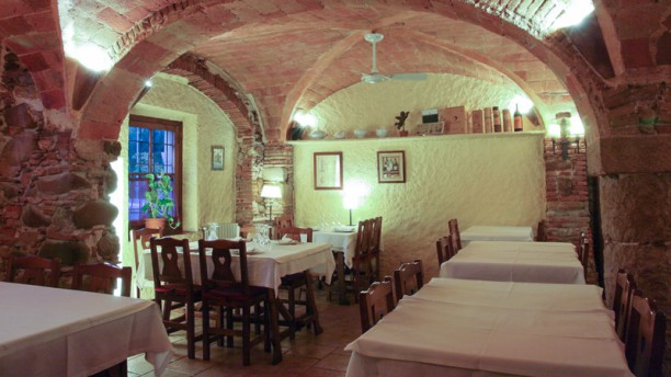 La Taverna del Bon Vi Vista de la sala