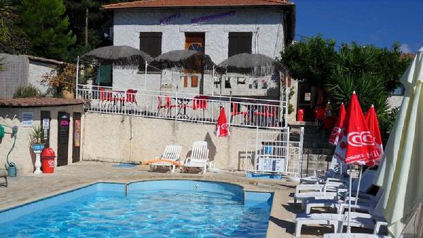 Auberge Villa Montaleigne Terrasse