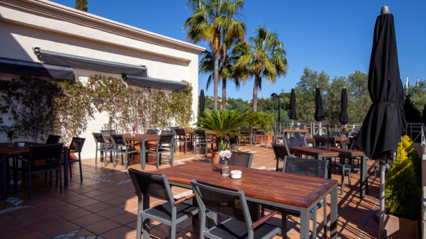 El Lago In Marbella Restaurant Reviews Menu And Prices
