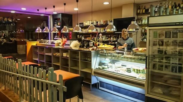 Veggana Vista cafetería y chef Tristan Vegan
