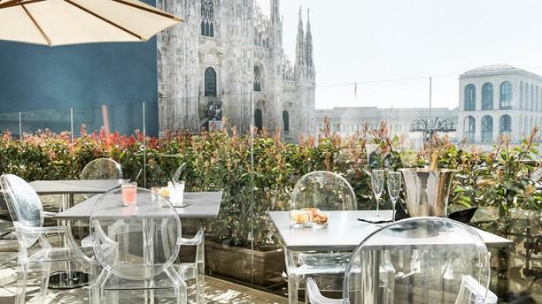 Duomo 21 Terrace a Milano - Menu, prezzi, immagini, recensioni e ...