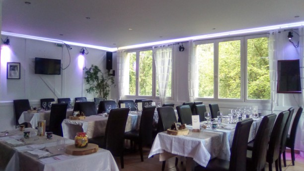 Le Val d'Or Salle du restaurant