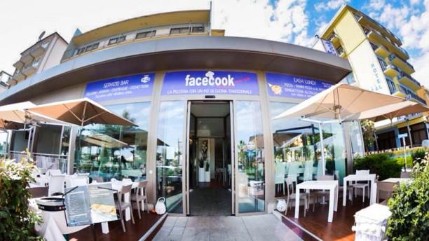 Facecook Social Restaurant La entrata