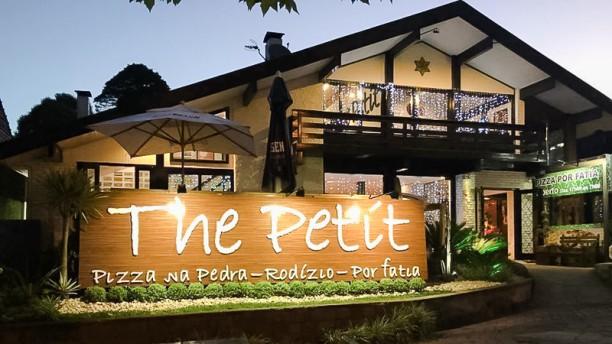 The Petit Pizza na Pedra Fachada