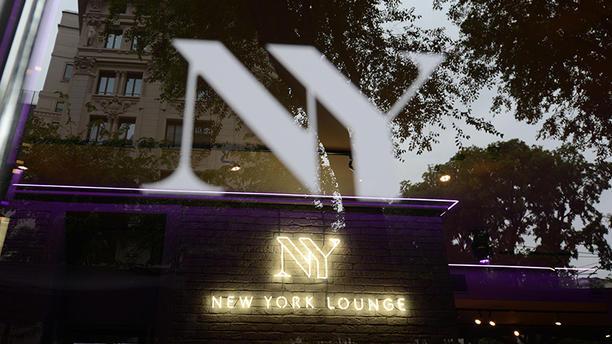 New York Lounge Esterno