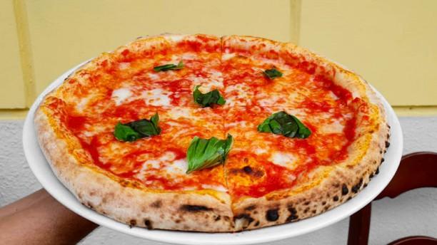 Pizzeria Braceria Il Lupo Margherita al basilico