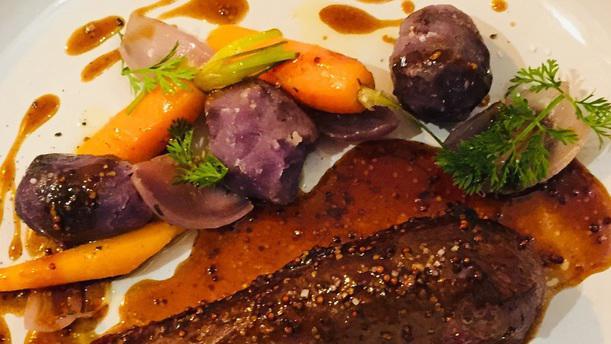 La Scène Brasserie Magret de canard rôti, jus miel moutarde