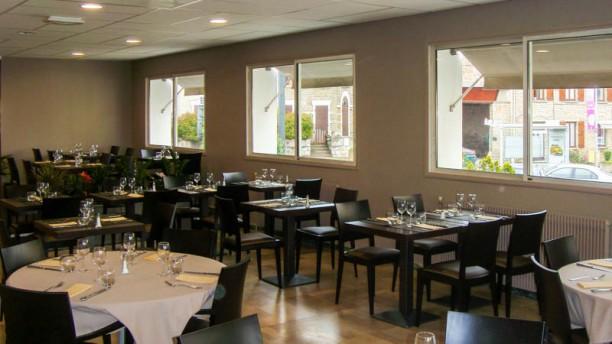 Hôtel Restaurant La Caborne Vue de la salle