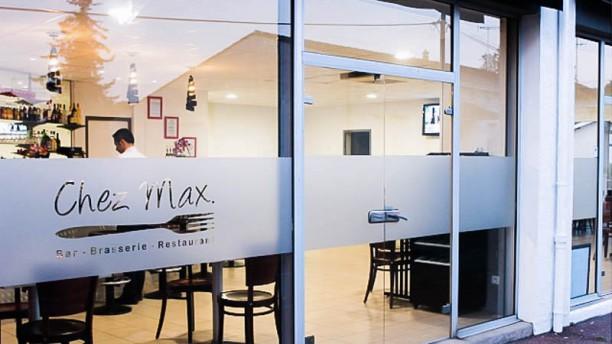 Chez Max Devanture