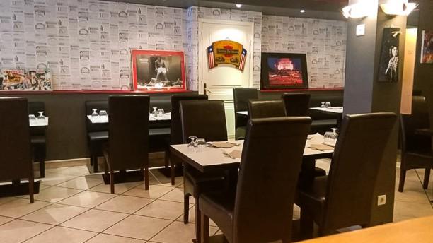 Genius Pub Sixties Salle du restaurant