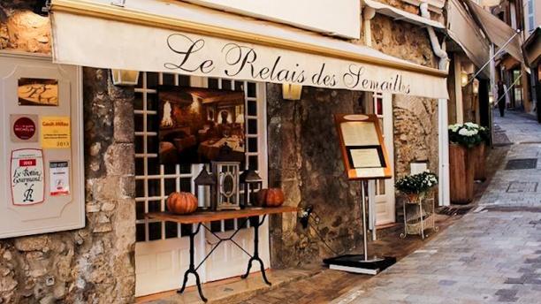 Le relais des semailles restaurant 11 rue saint antoine - Le comptoir du relais restaurant reservations ...