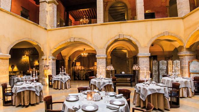 Cour des Loges Lyon, a member of Radisson Individuals - Restaurant - Lyon