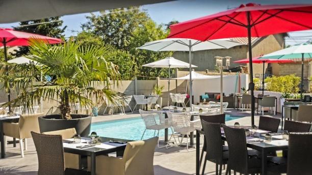 Just Italian Terrasse et piscine
