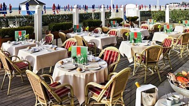 Le Ciro's Barrière Zoom sur la terrasse