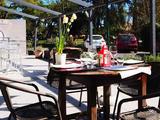 Friendly Auberge Hostel & Restaurant