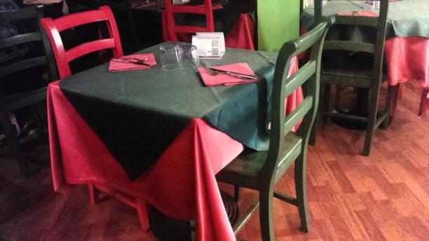 Pomodoro e Basilico tavolo
