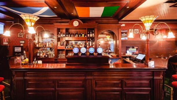 The Stuart, Scottish Pub Vista sala