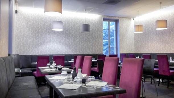 Mika Sushi Gratte Ciel Salle de restauration