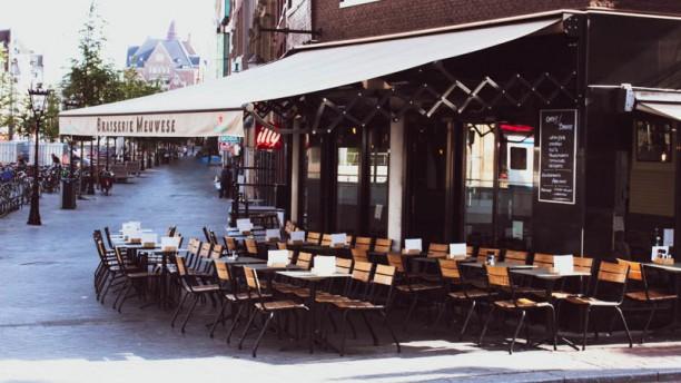 Café Brasserie Meuwese Ingang