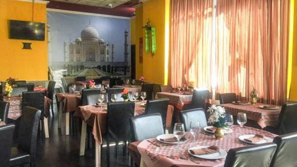 Hindu Om Vista de la sala
