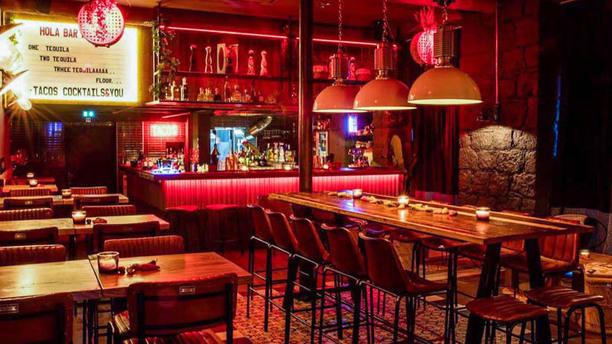 Hola Bar Kitchen - Nice Vue de la salle