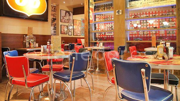 Bernie's Diner Grill & Bar Barcelona Vista sala